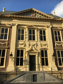 The Mauritshaus museum is big enough to be impressive, but small enough to not be intimidating